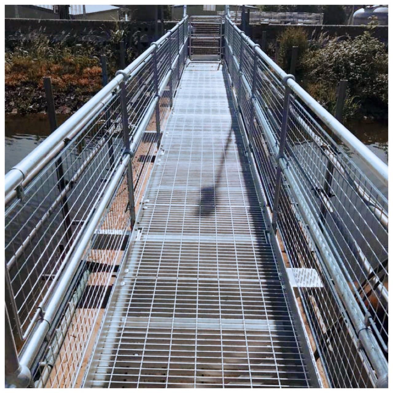 Durleigh - Reservoir Tower Bridge.jpg